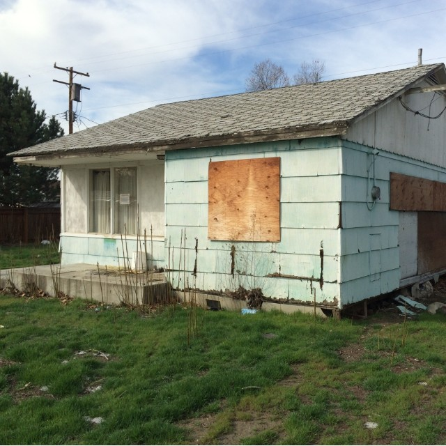 Richland prefab house in need of repair
